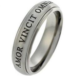 COI Titanium Amor Vincit Omnia Step Edges Ring-JT1486A